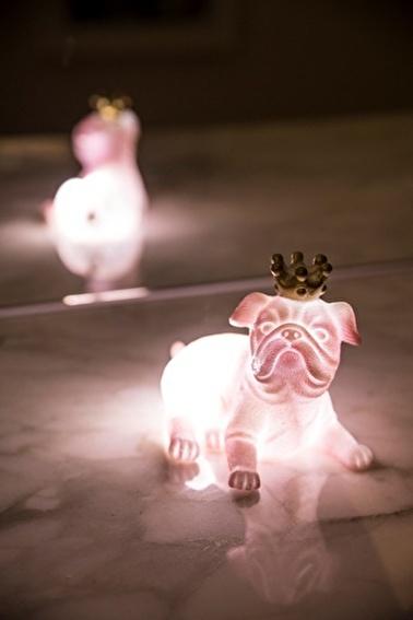 Arma House Pembe Kraliçe Köpek 3D Led Işık Pembe